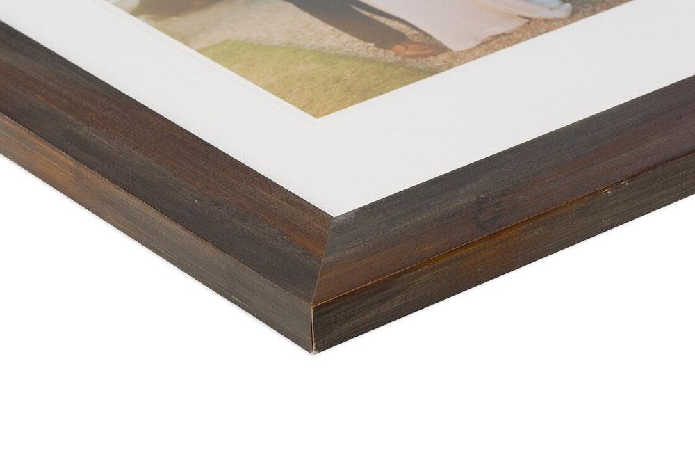 Ashland Aged Umber Frame moulding corner detail