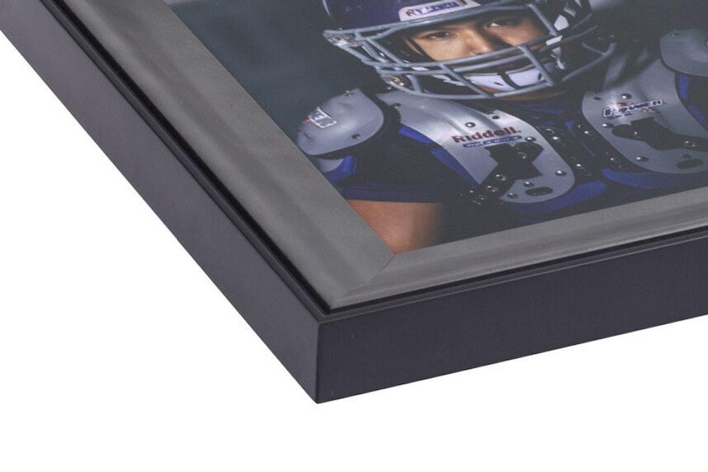 Silver Lexington Frame moulding corner detail