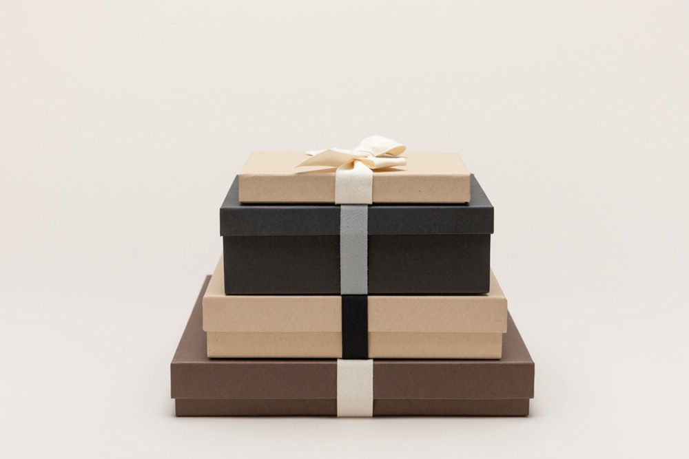 Multiple Premium Packaging colors, ribbon, and size options stacked